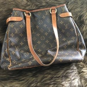 Louis Vuitton Bags - 💯 Louis Vuitton Batignolles shoulder bag